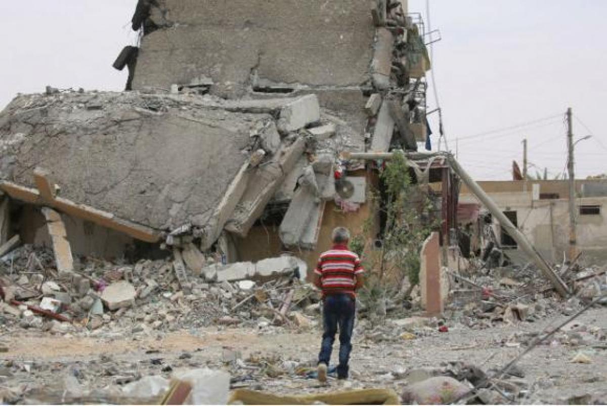 Destroços de um prédio na cidade de Tabqa, província de Raqqa, na Síria - Unicef/Souleiman/Arquivo