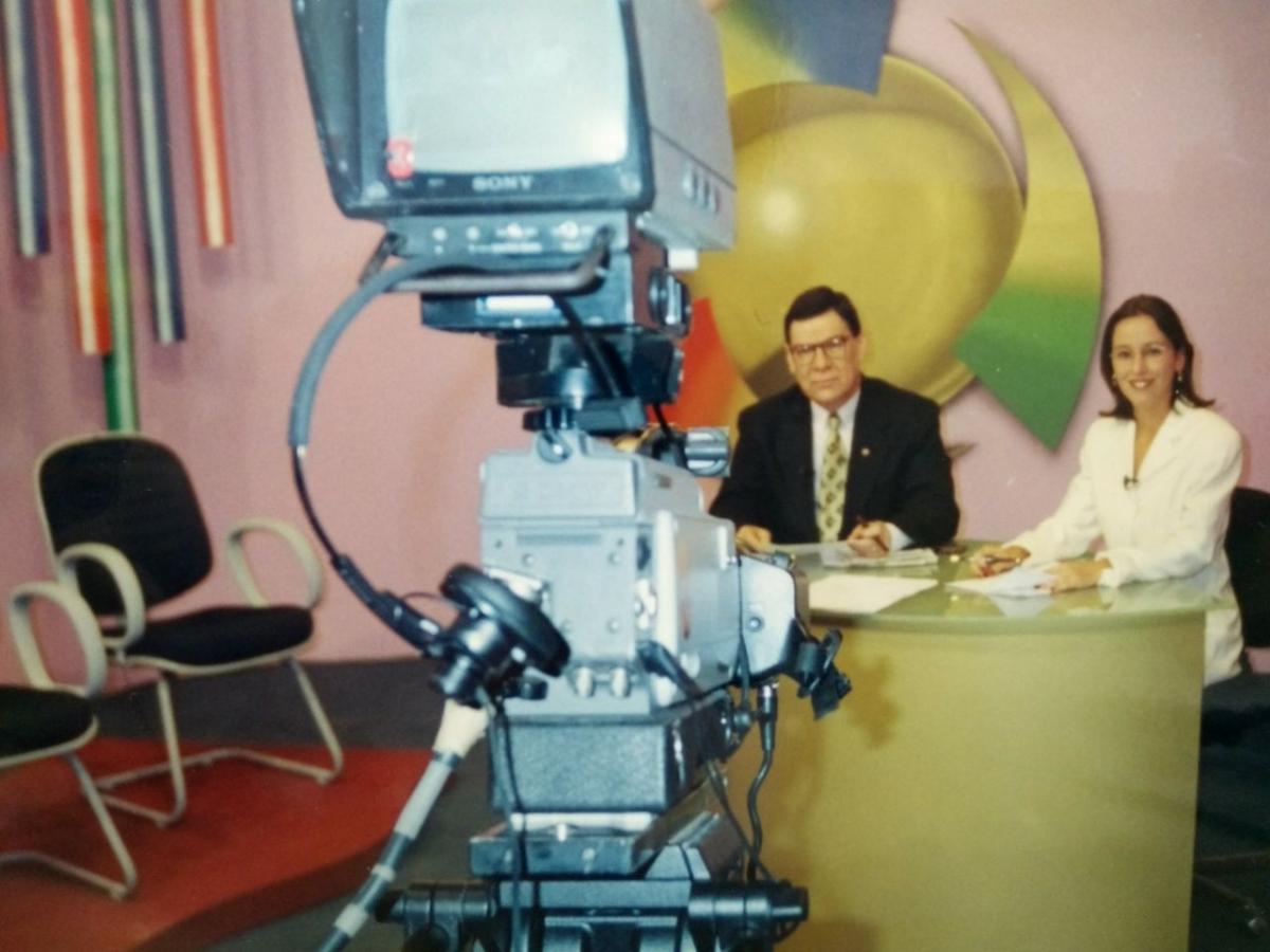 Luiz Carlos Prates na TV Record em 1998 - Arquivo pessoal/Divulgação/Redação ND
