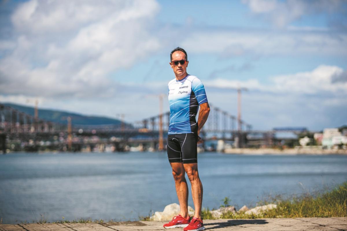 Rafael Pina tem o triatlo como hobby, mas leva a sério o treinamento - Daniel Queiroz/ND