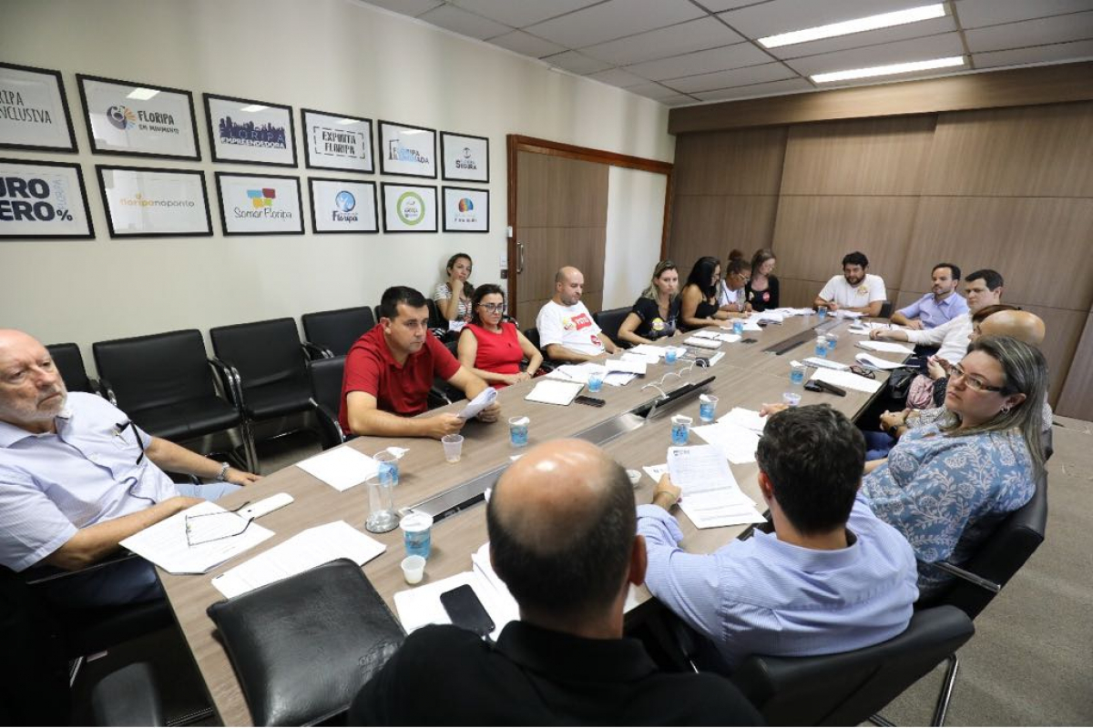 Prefeitura e Sintrasem negociaram por cinco horas nesta quinta-feira - PMF/Divulgação/ND