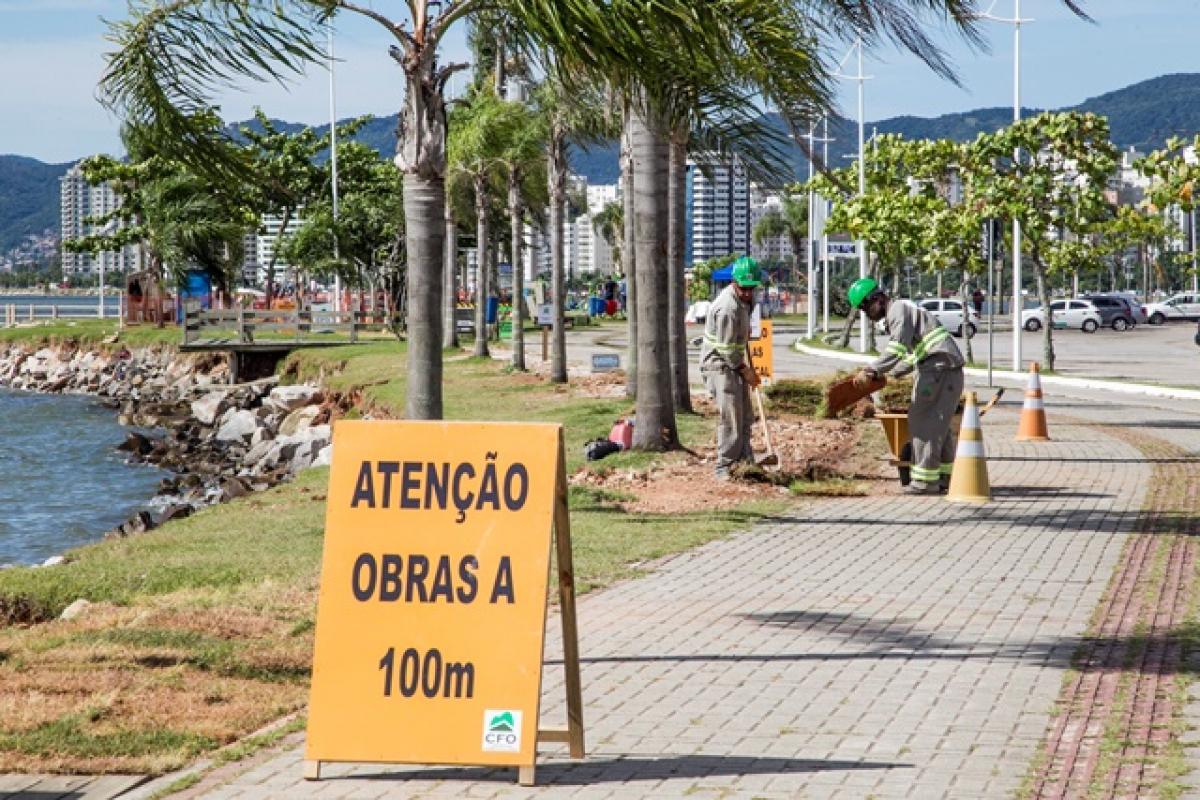 Despoluição da Beira-Mar em Florianópolis - Marco Santiago/ND