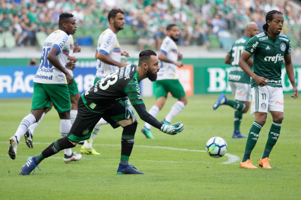 Jandrei, da Chape, foi o destaque do jogo com várias intervenções - O Fotográfico/Folhapress/divulgação