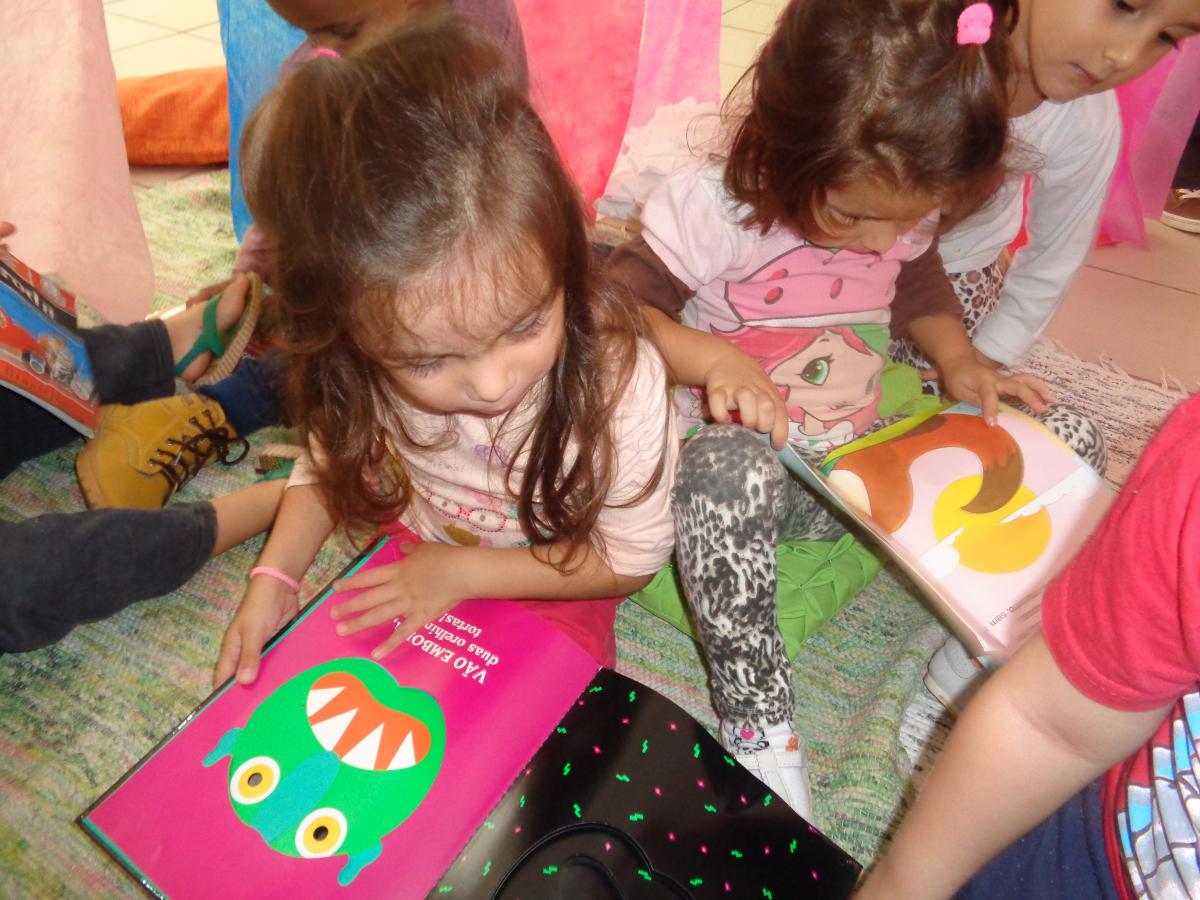 As crianças poderão trocar livros entre si no SESC da Prainha, às 9h30 e às 16h30 de quarta-feira (18) - PMF/Divulgação/ND