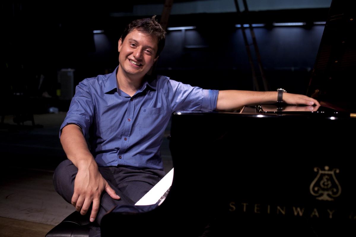 Luiz Zago faz participação especial no piano - Antonio Rossa/Divulgação/ND