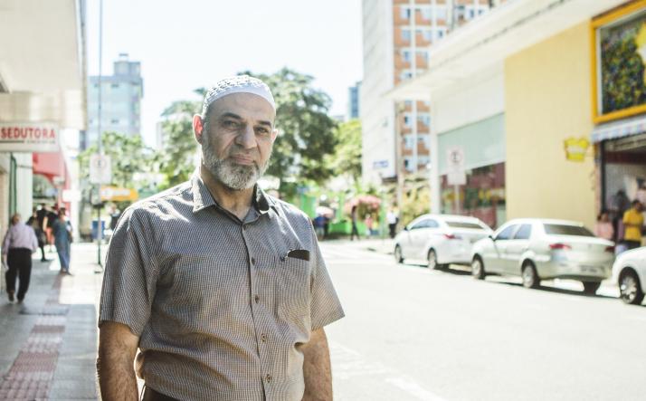 A postos para ajudar, Sheik Amin Alkaram é o elo entre Síria e Florianópolis - Daniel Queiroz/ND