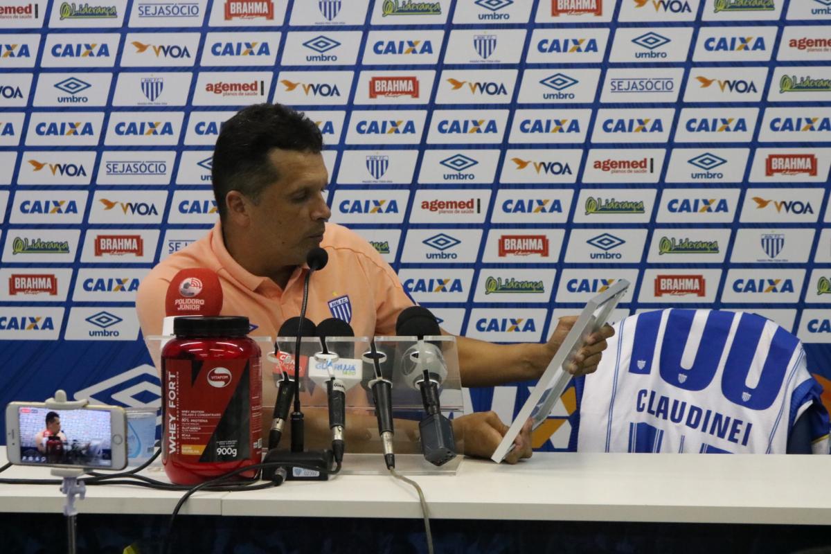 Claudinei Oliveira chegou a 100 jogos a frente do Avaí - Jamira Furlani/Avaí FC/divulgação
