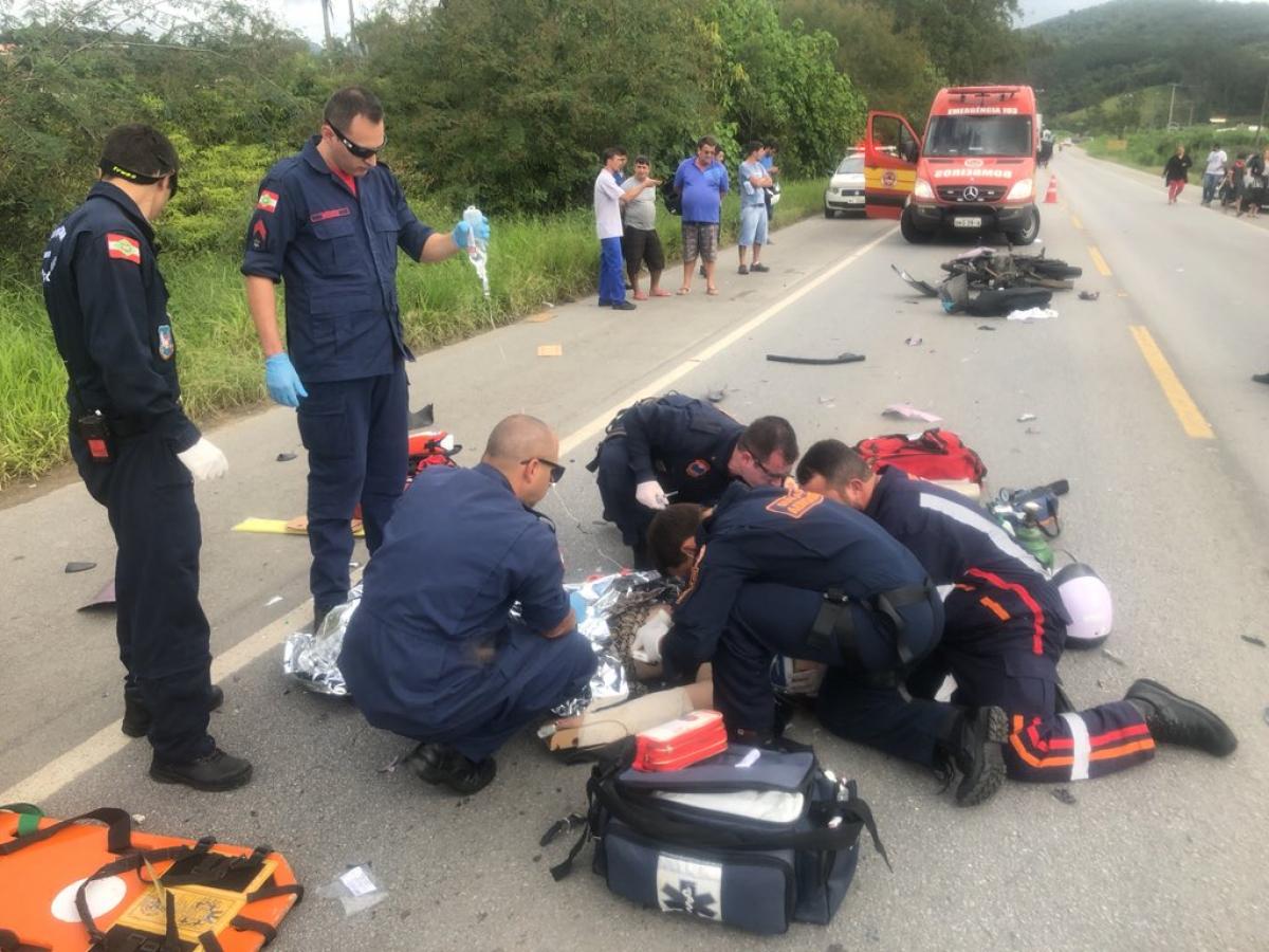 Vítima teve um traumatismo cranioencefálico leve e foi encaminhada para o hospital Regional, em São José - Arcanjo/Divulgação/ND