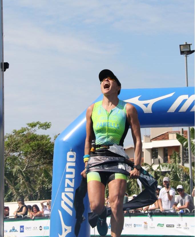 Pâmella vibra com triunfo na elite feminina - Fábio Falconi/Unlimited Sports/Divulgação/ND