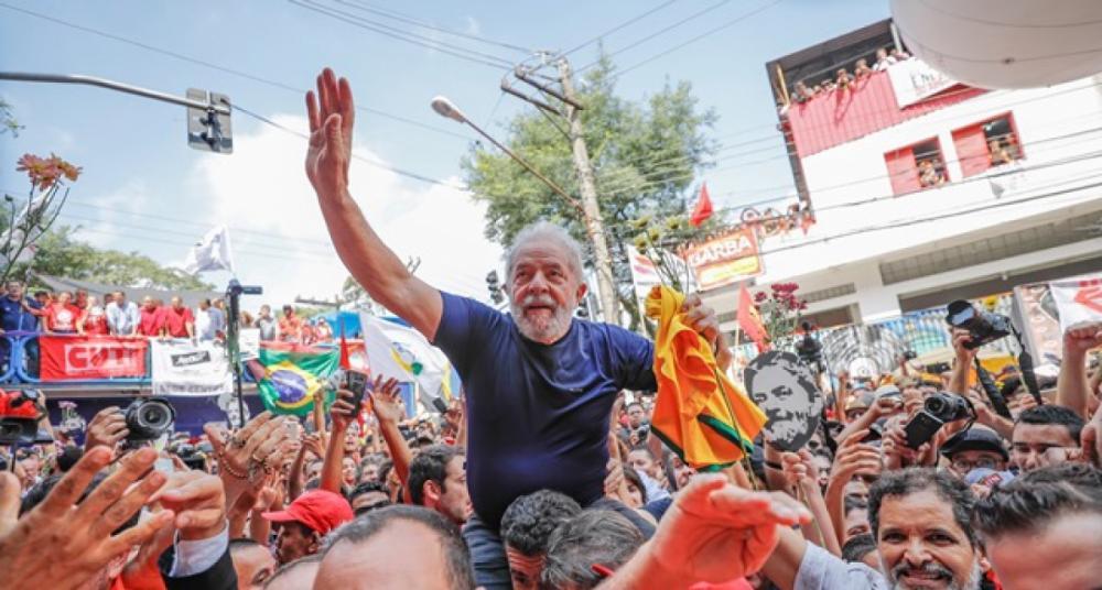 Lula após discurso na frente do sindicato dos metalúrgicos em São Bernado - Ricardo Stuckert/Divulgação/ND