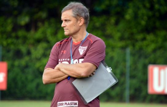 Diego Aguirre usou 27 jogadores em 10 partidas no São Paulo  -  Érico Leonan/saopaulofc.net