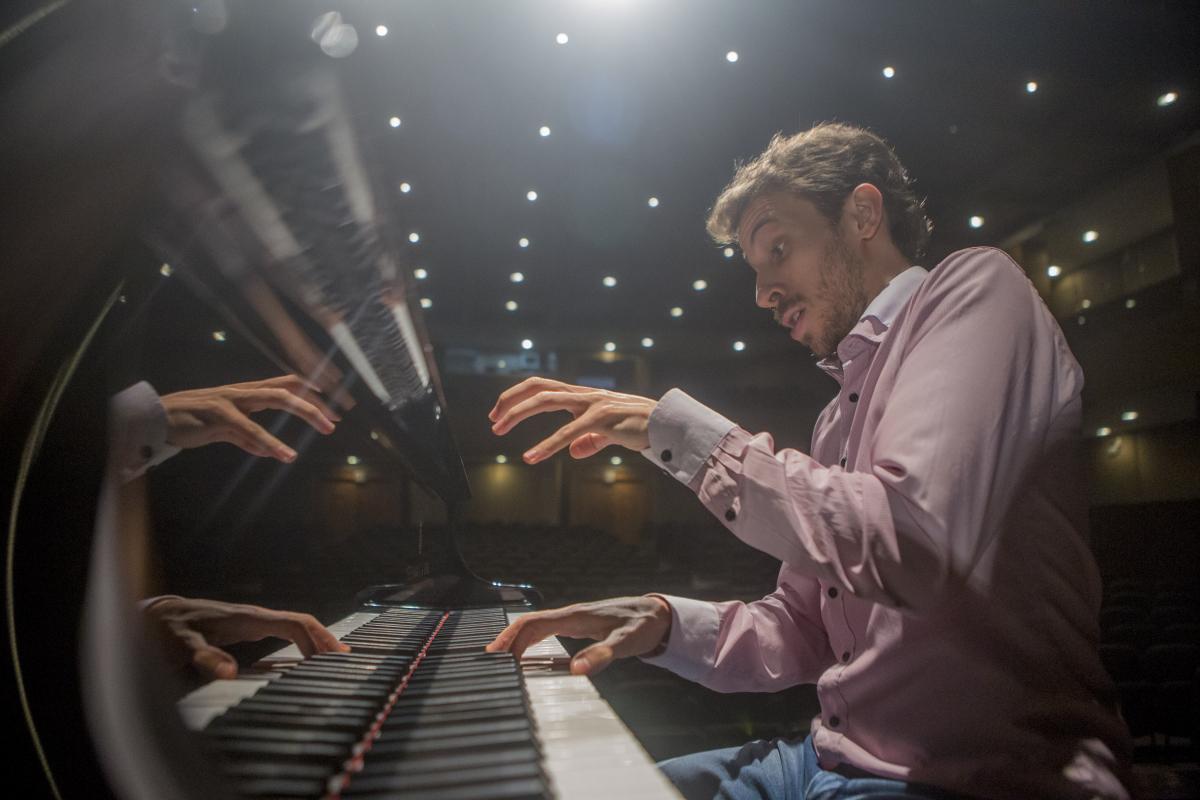 Aos 29 anos, pianista catarinense ostenta uma notável carreira internacional - Flávio Tin/ND