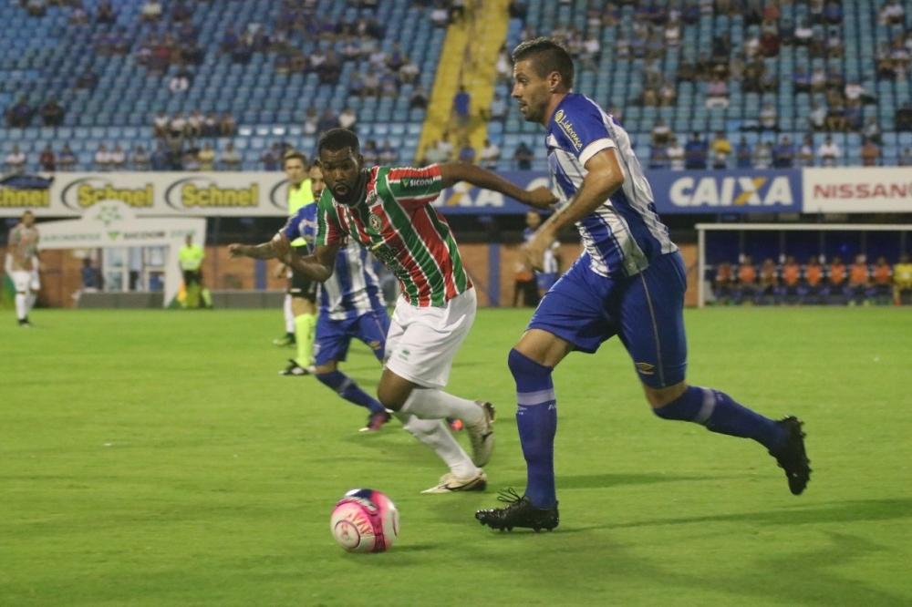 Avaí, de Moritz, não teve força para virar sobre o adversário - André Palma Ribeiro/Avaí/divulgação
