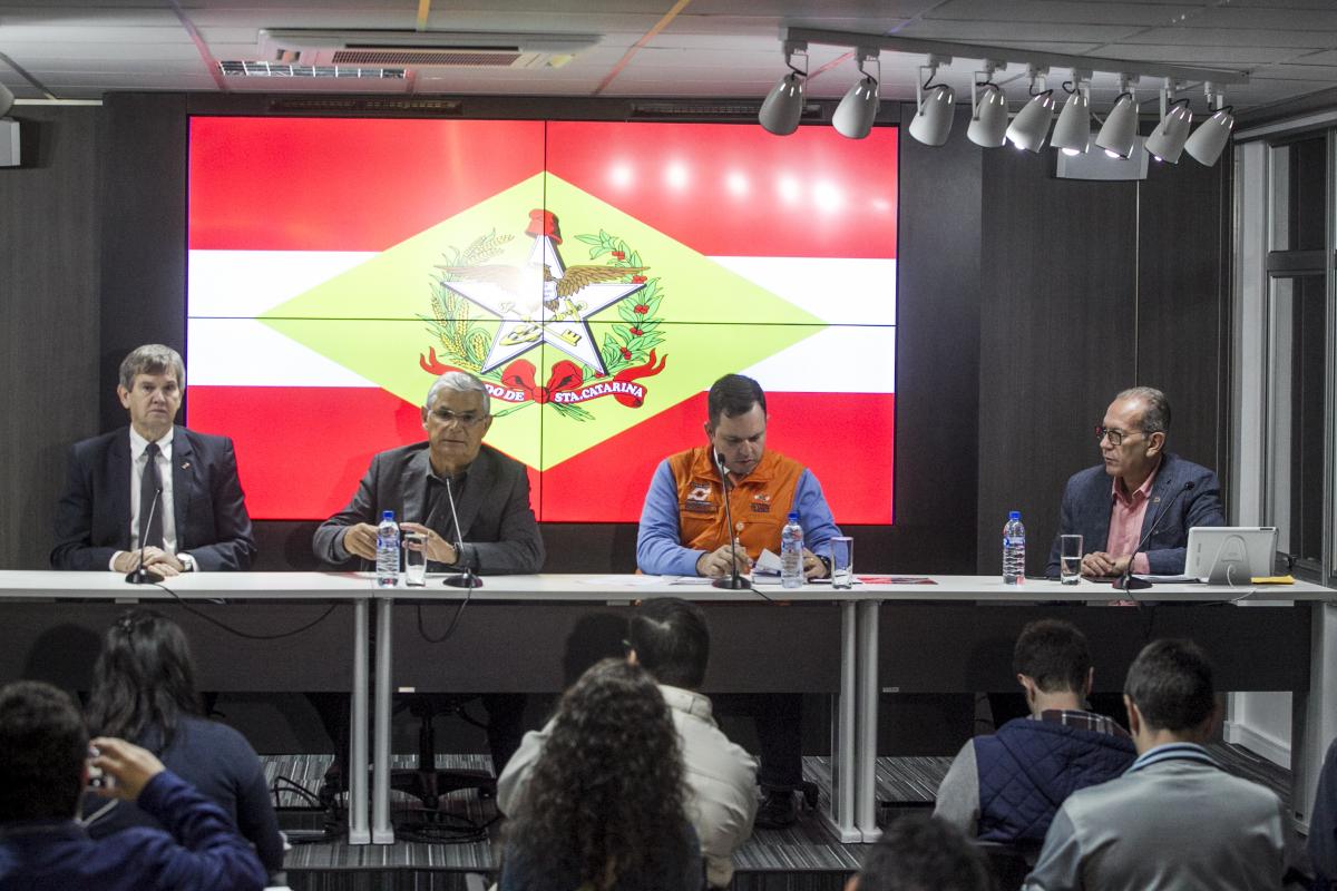 Pinho Moreira nega redução de alíquota do ICMS, mas pode aceitar desconto sobre base de cálculo do diesel - Marco Santiago