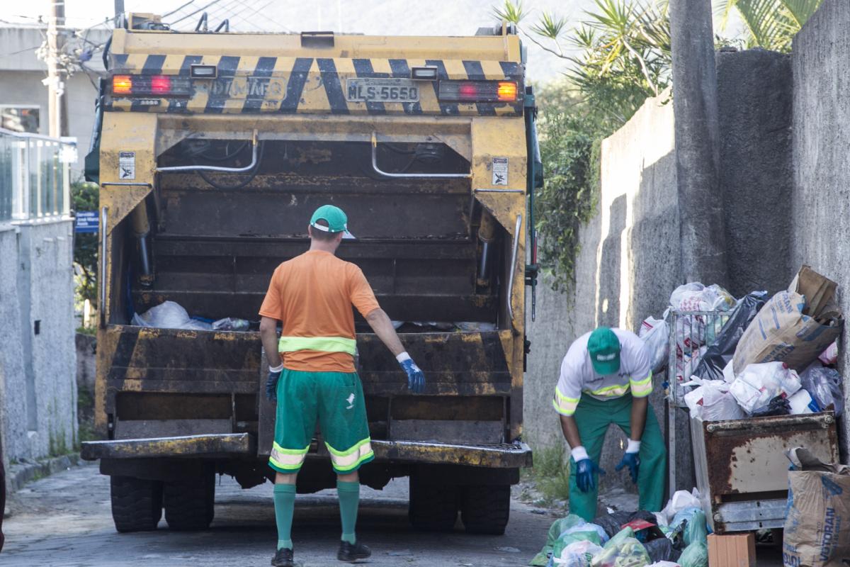 40% dos materiais arrecadados para reciclagem acabam sendo depositados no aterro tradicional - Marco Santiago/ND