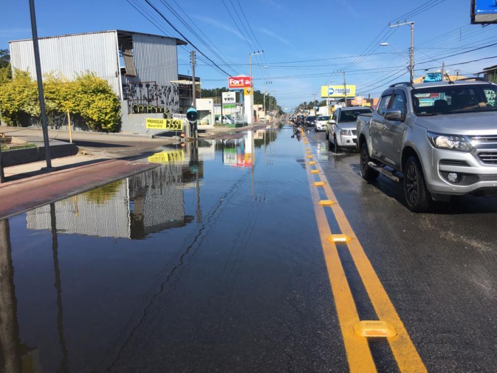 Registro da maré alta na SC-405 por volta das 13h50 - Marco Santiago/ND