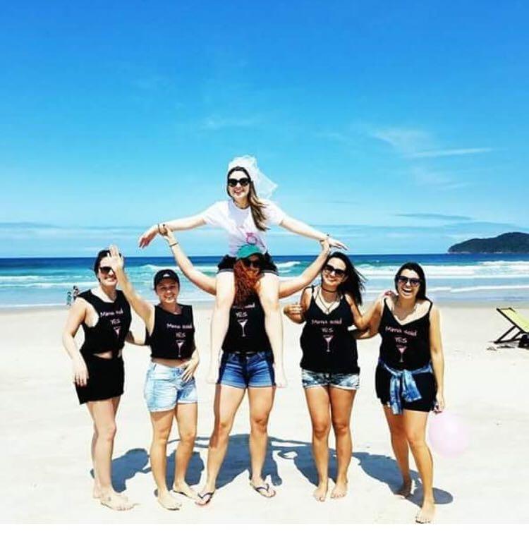 Ana Cláudia comemorou últimos dias de solteira com amigas - Divulgação/ND