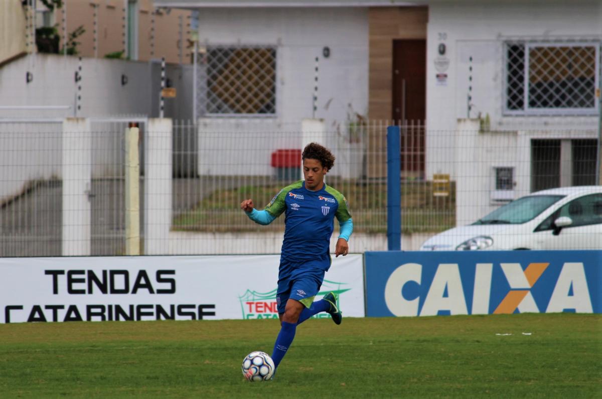Guga, lateral do Avaí - André Palma Ribeiro/Avaí FC/divulgação