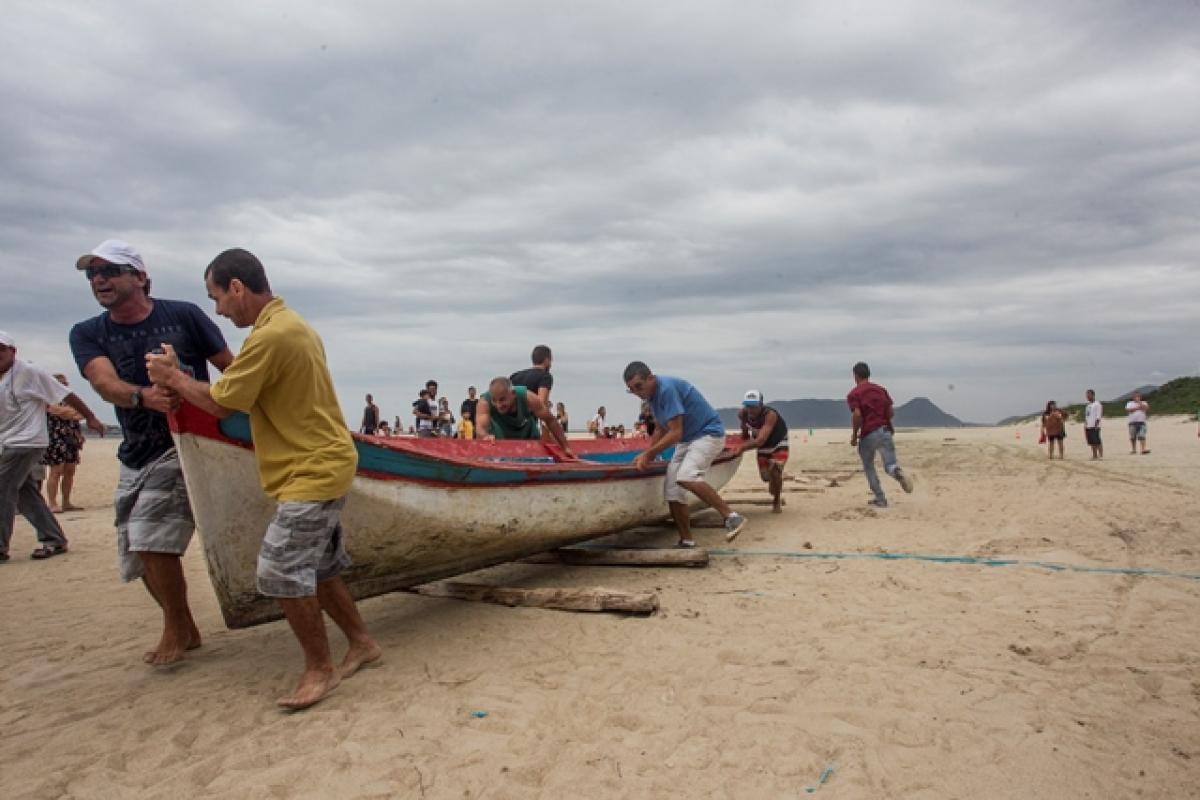 Corrida de canoa em Florianópolis - Marco Santiago/ND