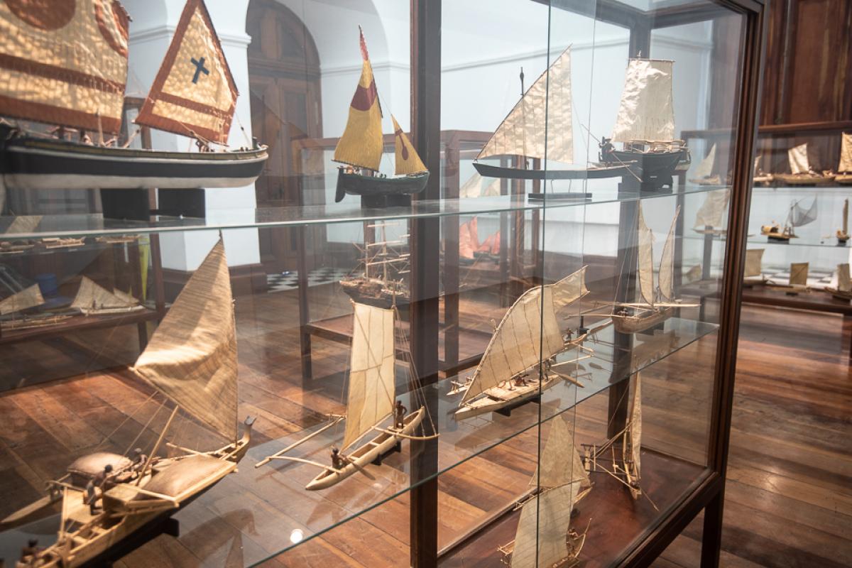 """Exposição """"Barcos do Brasil e do Mundo: a coleção de modelismo naval do Museu Nacional do Mar"""