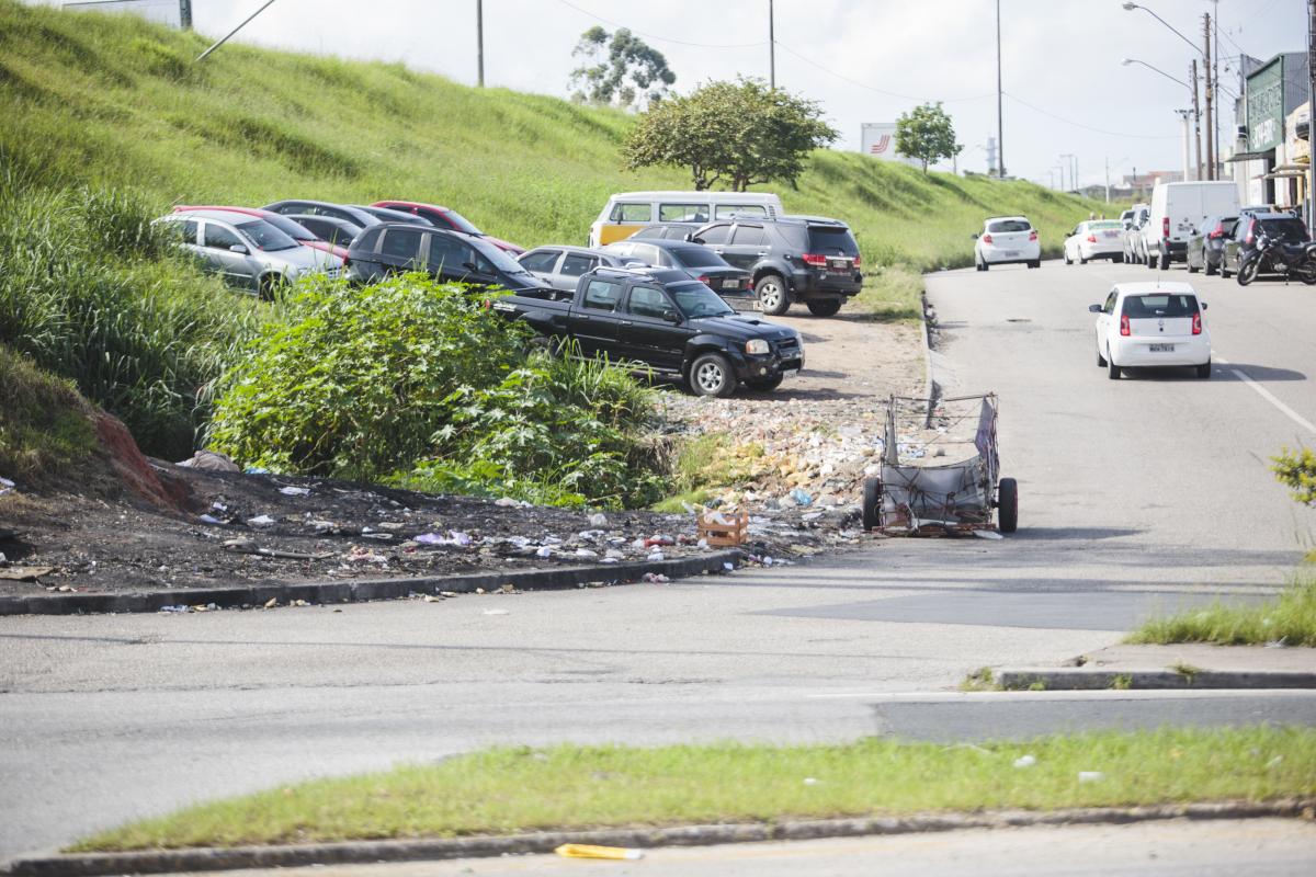 Lixo e sujeira na divisa dos municípios são problemas recorrentes em Campinas - Daniel Queiroz/ND