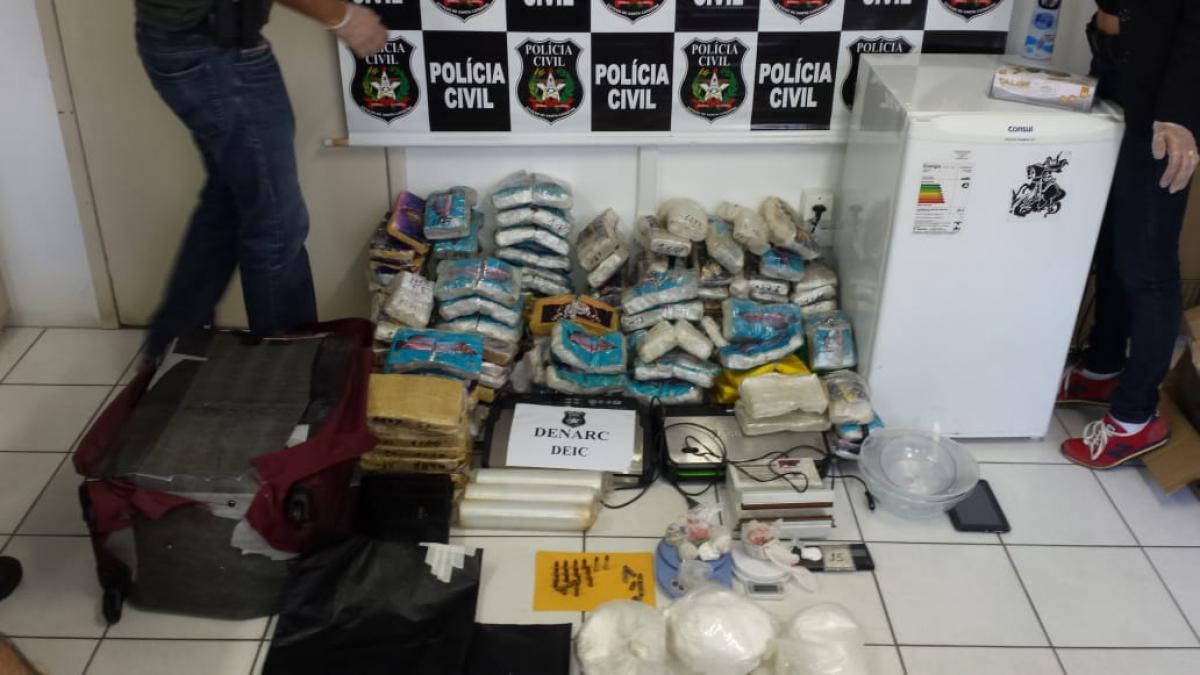 Policiais apreenderam nesta quarta-feira (13) 7 kg de cocaína pura em São José - Polícia Civil/Divulgação/ND