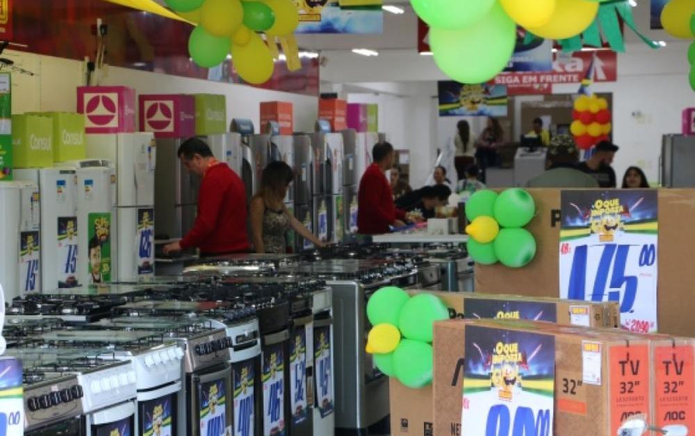Consumidor em SC deve ter gasto moderado e assistir jogos em casa durante a Copa 2018 - FecomércioSC/Divulgação/ND
