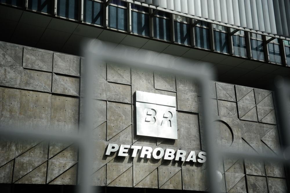 Segundo o Sindigás, a Petrobras comunicou o reajuste às empresas a ele associadas na tarde desta terça-feira - Tânia Rêgo/Agência Brasil/Divulgação/ND