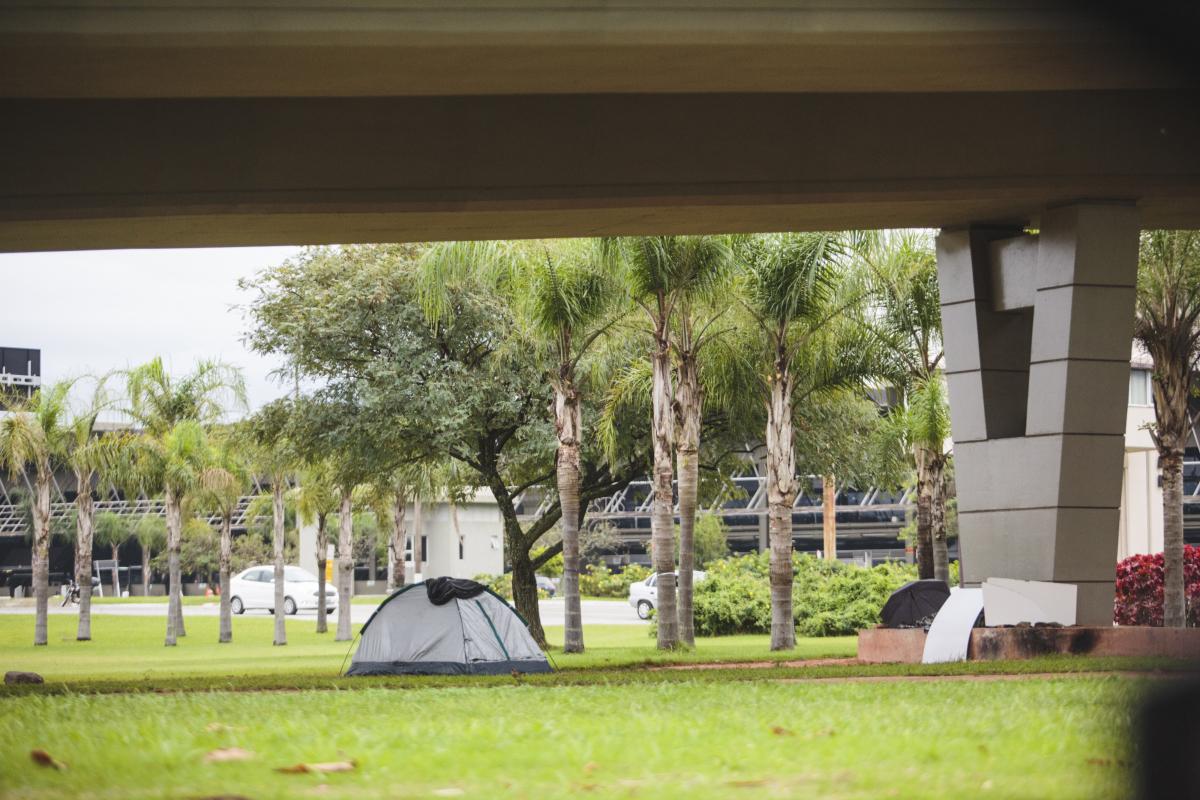 Promotor esclarece que a ocupação dos espaços públicos com barracas ou outros tipos de casebres é proibida - Daniel Queiroz/ND