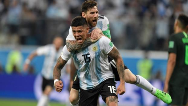 A Argentina conseguiu classificação às oitavas graças a gol de Rojo no fim da partida contra a Nigéria -  AFP