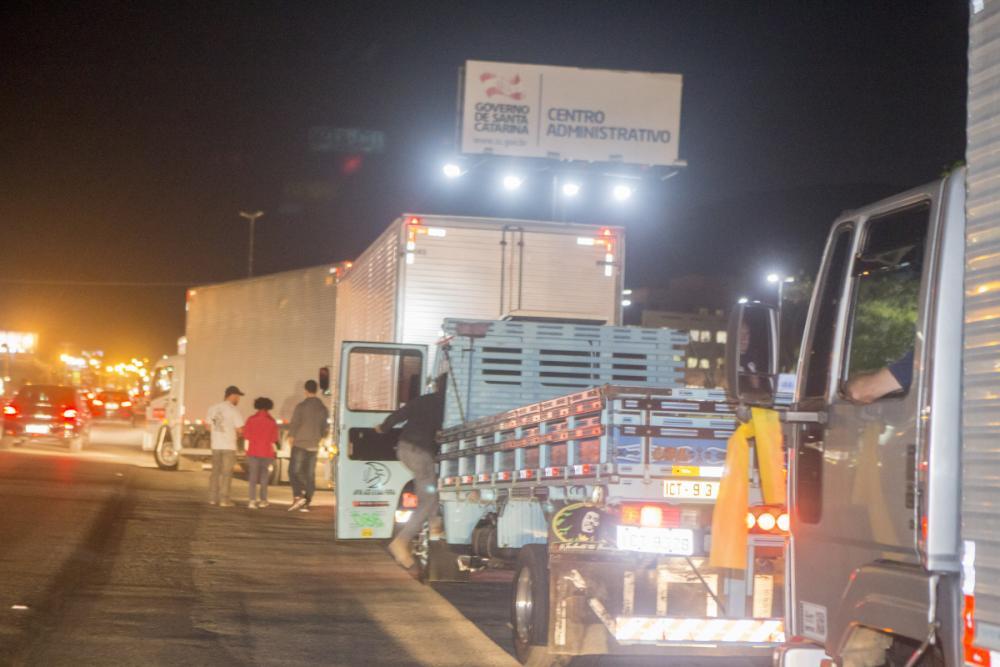 Greve dos caminhoneiros  - Flávio Tin/ND