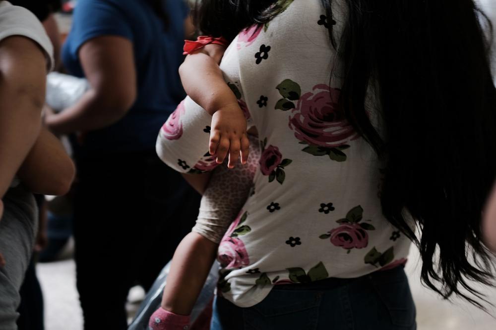 Secretaria garantiu ainda que conhece a localização de todas as crianças separadas das famílias que estão sob sua custódia - SPENCER PLATT / GETTY IMAGES NORTH AMERICA / AFP