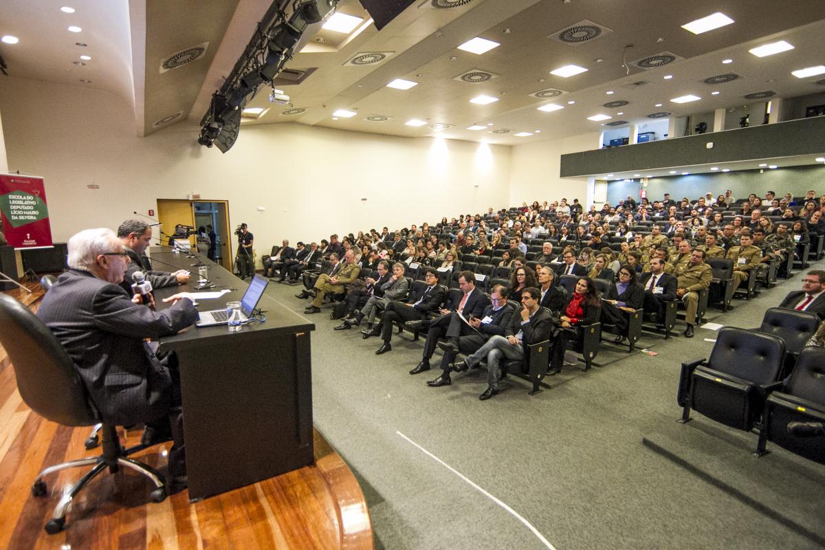 2ª Conferência Estadual sobre Licenciamento Ambiental e Segurança Jurídica começou na noite desta terça-feira e vai até quinta - Marco Santiago/ND