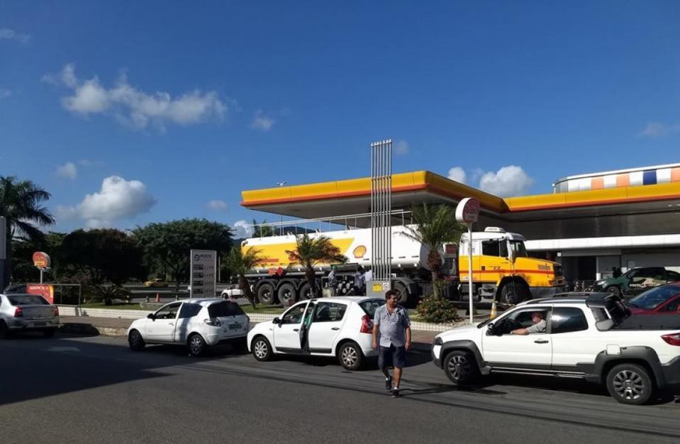Movimento em posto de gasolina no bairro Itacorubi, em Florianópolis - Daniel Queiroz/ND
