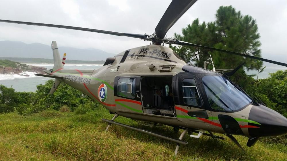 O helicóptero resgatou as vítimas na trilha da Barra da Lagoa - PM/Divulgação/ND