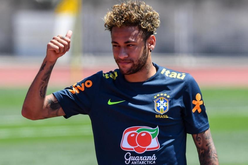 Neymar treinou com o grupo em Sochi nesta quarta-feira  -  (Foto: Nelson Almeida/AFP)