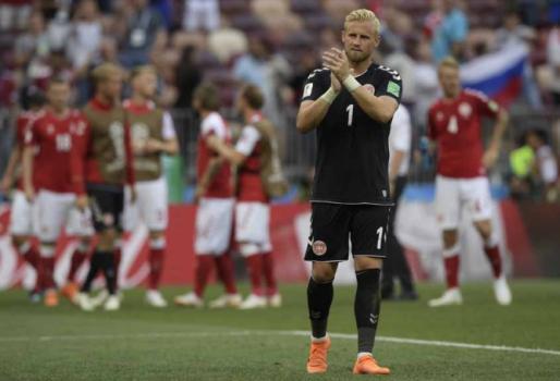 Schmeichel, goleiro da Dinamarca, revelou drama dos atletas – Foto: (Foto: JUAN MABROMATA / AFP)