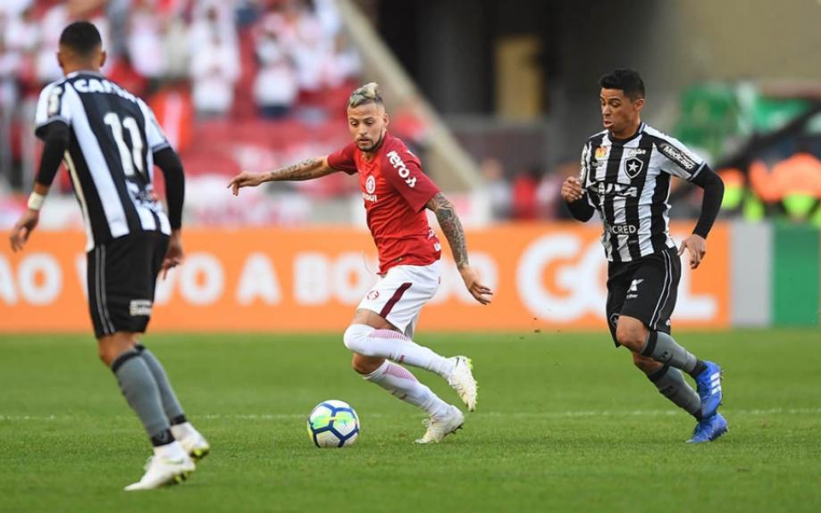 Com um time misto, o Botafogo encarou o Internacional no Beira-Rioe foi goleado com facilidade. A equipe teve atuação sem nenhum destaque, bastante decepcionante, antes de jogo pela Copa Sul-Americana (notas por Vinícius Britto) - Ricardo Duarte