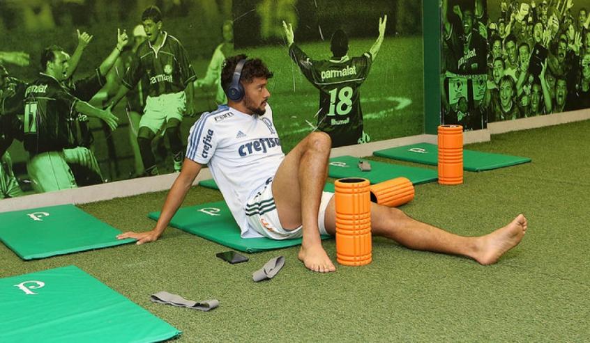 Gustavo Scarpa, centralizado, jogou melhor do que em partidas anteriores - FOTO: Cesar Greco/Palmeiras