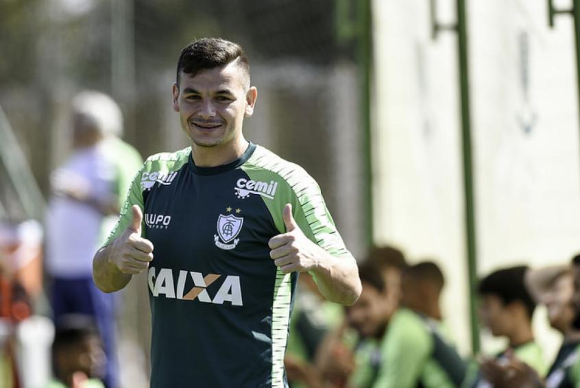Após retomar a posição titular contra o Internacional, Ruy vive expectativa de iniciar confronto com o Santos (Divulgação)