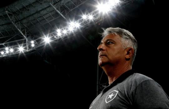 Marcos Paquetá mal começou e já está a perigo - (Foto: Vítor Silva/SSPress/Botafogo)