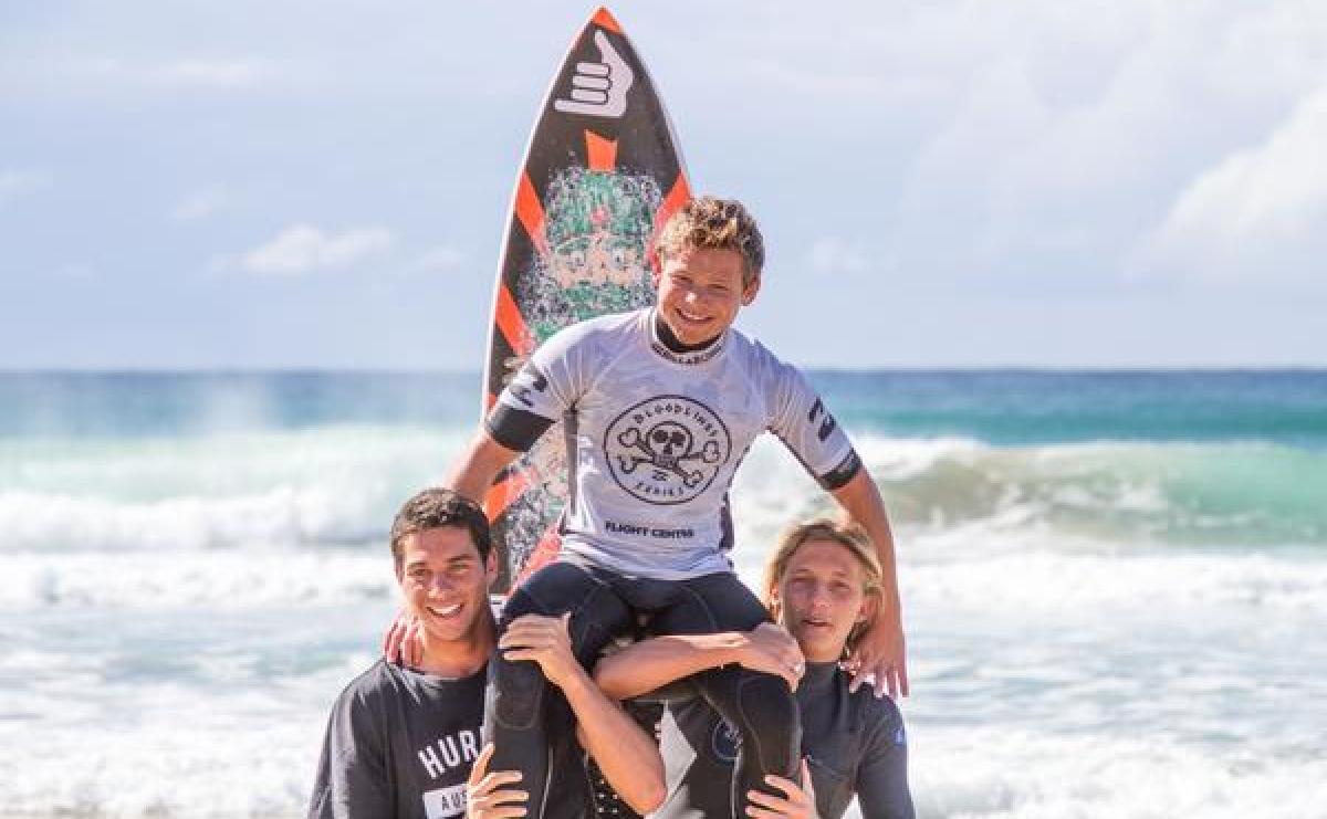Leo Casal venceu competição de base do surfe na Austrália - Divulgação