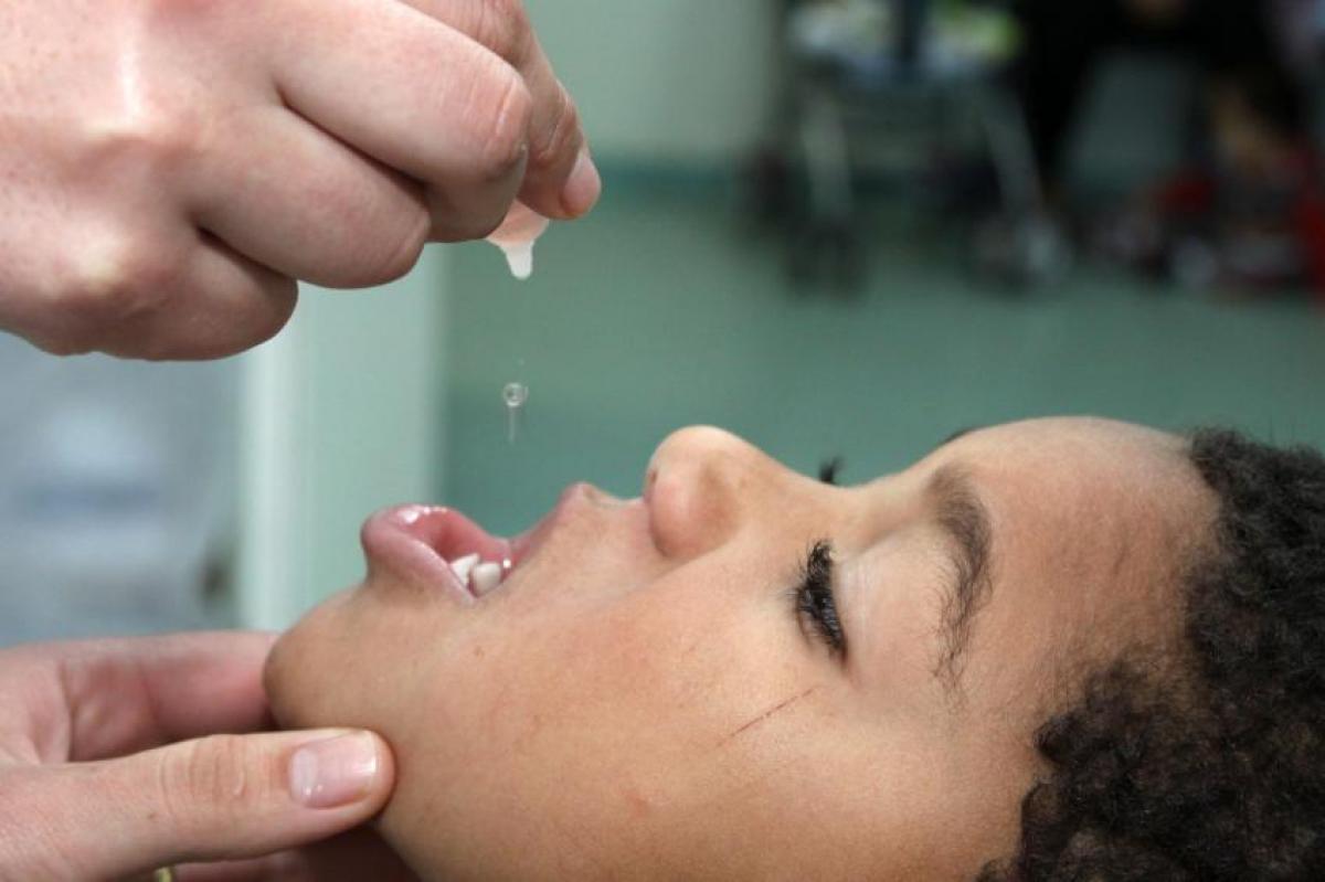 Embora esteja livre da paralisia infantil desde 1990, a vacinação é fundamental para evitar a reintrodução do vírus da poliomielite no Brasil - Cesar Brustolin/SMCS/Divulgação/ND
