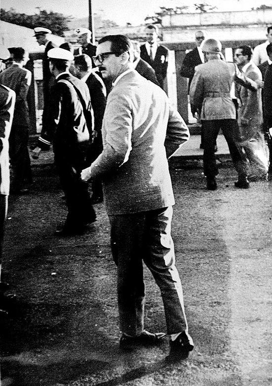 Clássica foto de Foto Ênio Schneider, Jornal do Brasil, abril de 1961. Jânio em Uruguaiana/RS. A foto ganhou o Prêmio Esso - Divulgação Ênio Schneider/JB/ND