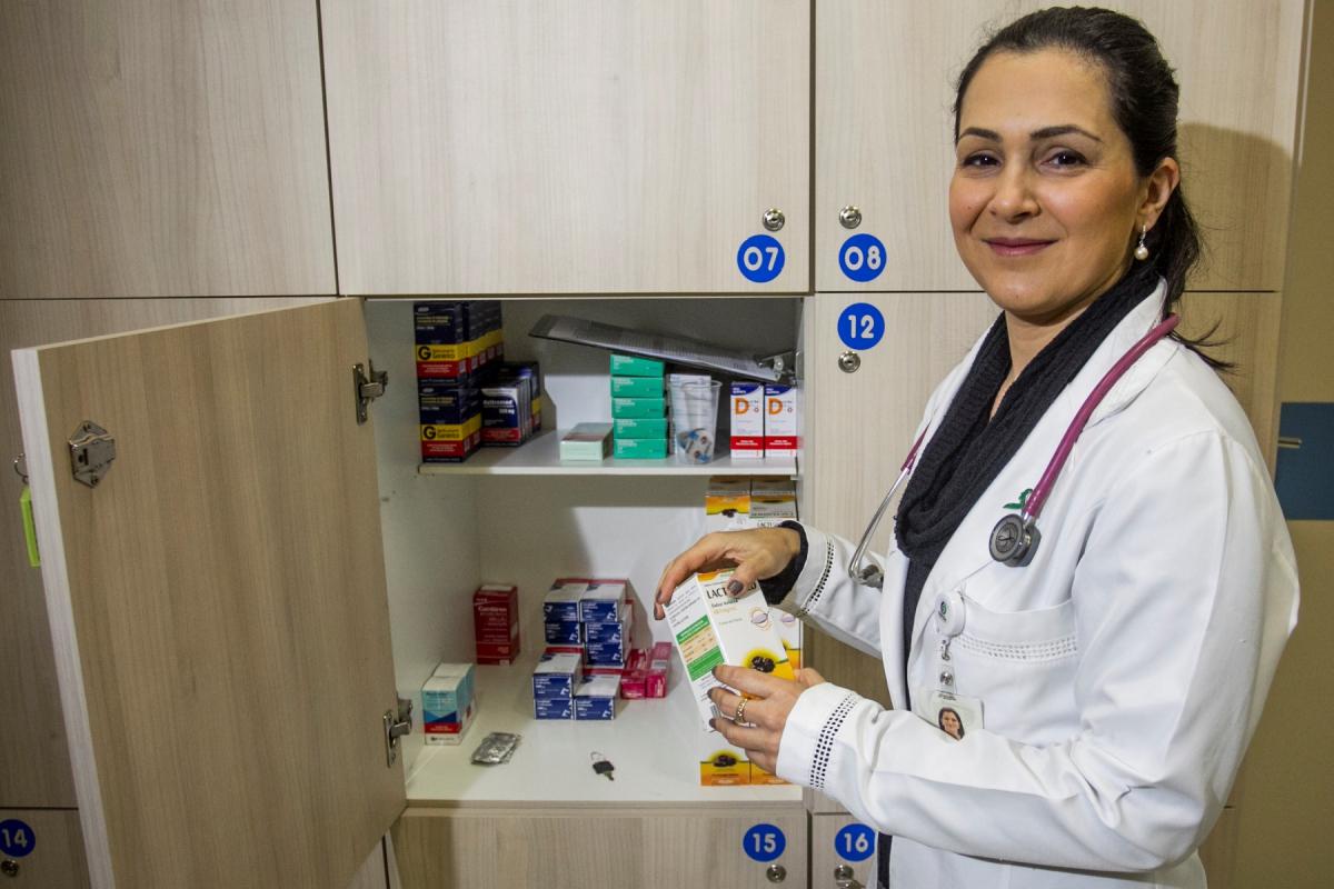 Rita comanda ambulatório do Ajas, que atende 70 jovens por semana - Marco Santiago/ND