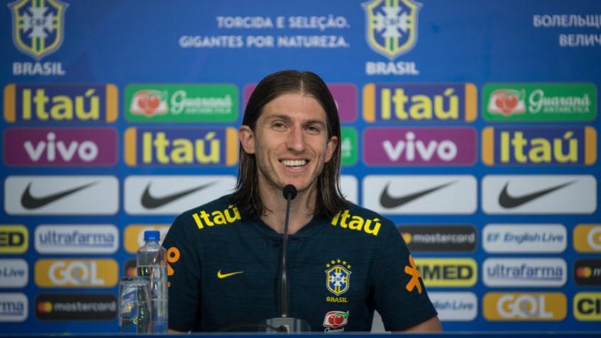 Filipe Luís falou com a imprensa após o treino realizado nesta sexta-feira (Foto: Pedro Martins / MoWA Press) -