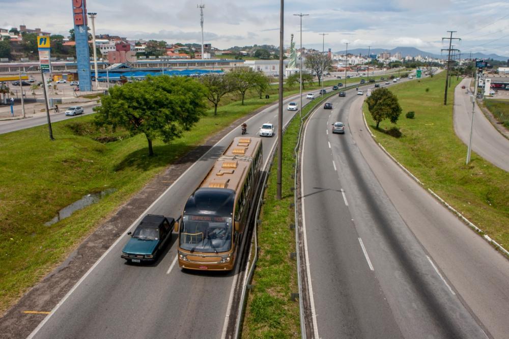 Estudo aponta que 150 mil pessoas utilizem ônibus diariamente na região - Flávio Tin/ND