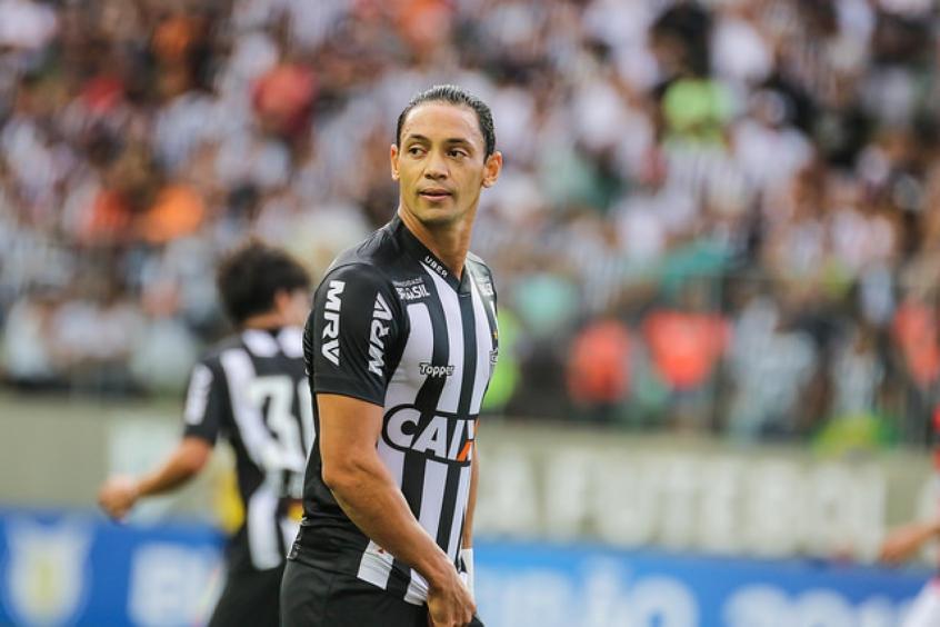 Ricardo Oliveira balança as redes contra o Vitória no Independência (Bruno Cantini / Atlético-MG) -