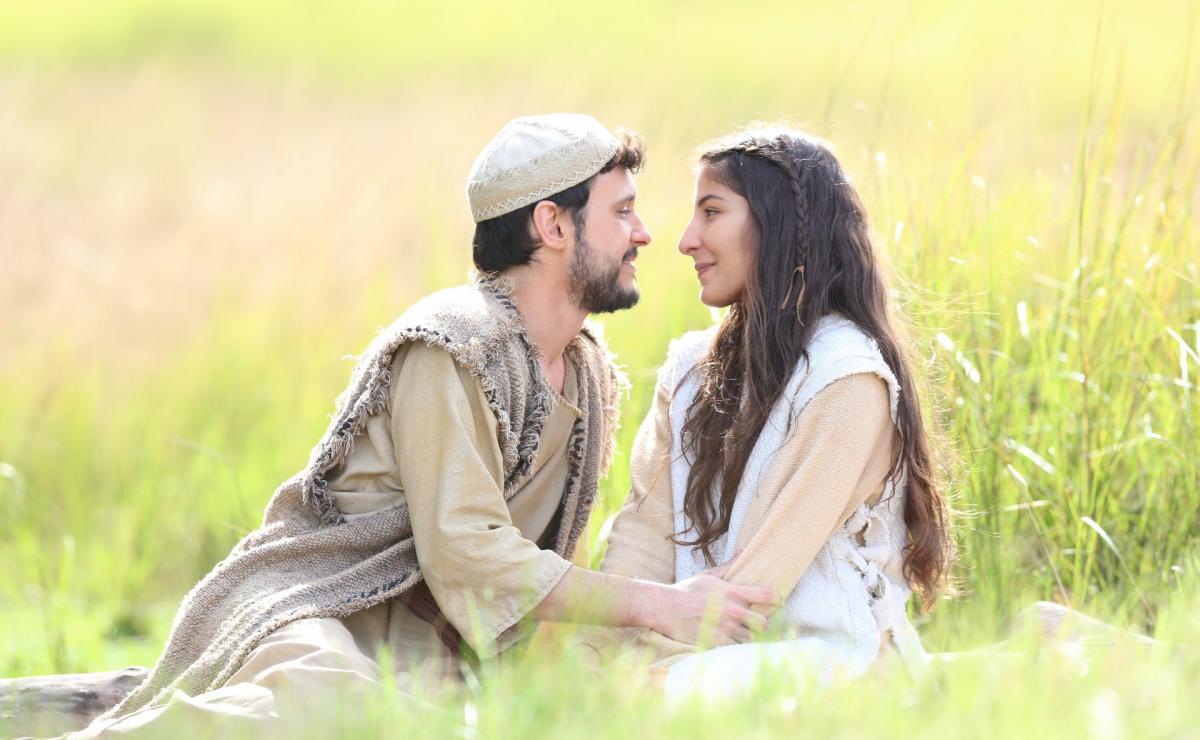José (Guilherme Dellorto ) e Maria (Juliana Xavier), apaixonados - Munir Chatack/Record TV/Divulgação/ND