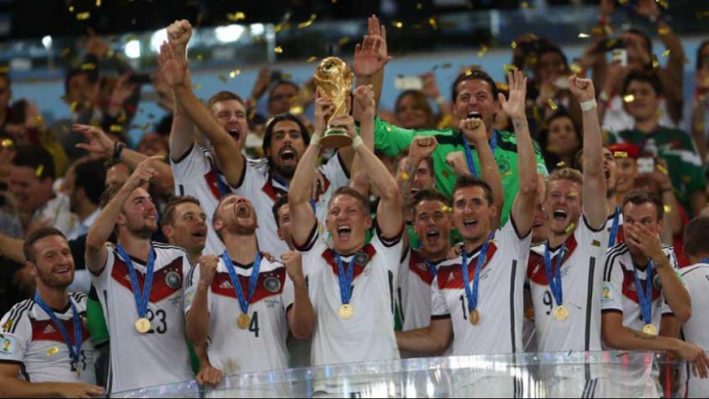 A Alemanha é a recordista no quesito. Os sempre fortes germânicos terminaram 13 vezes entre os quatro melhores da Copa, com quatro títulos conquistados, em 1954, 1974,1990 e 2014 (foto)  -  (Foto: Paulo Sergio/Lancepress!/AFP)