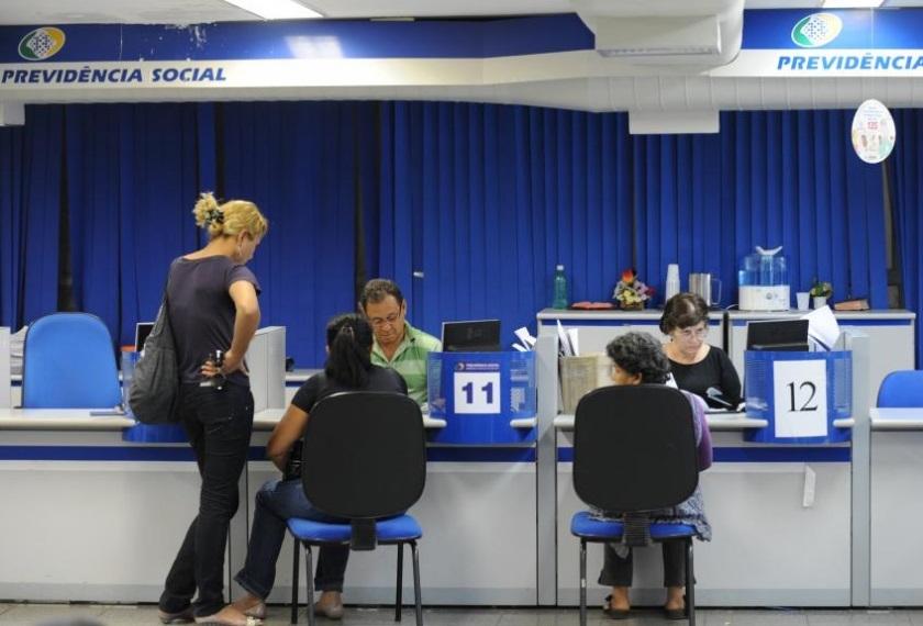 INSS permitirá que os pedidos de aposentadoria sejam feitos pela internet e não mais presencialmente - Fábio Rodrigues Pozzebom/ABr